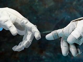 Elenius mano robot contrato tecnologia