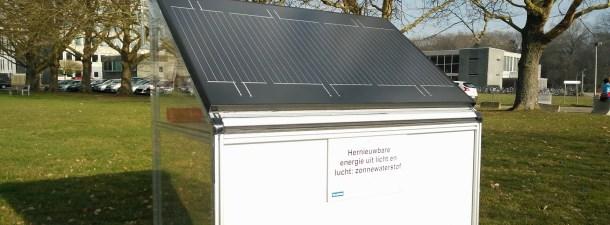 Este panel solar genera hidrógeno con la humedad del aire