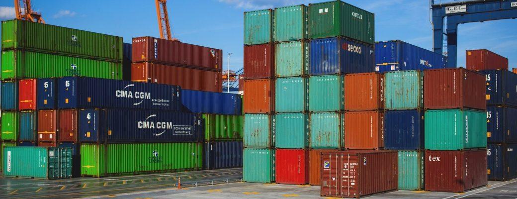 trabajo contenedores puerto colores