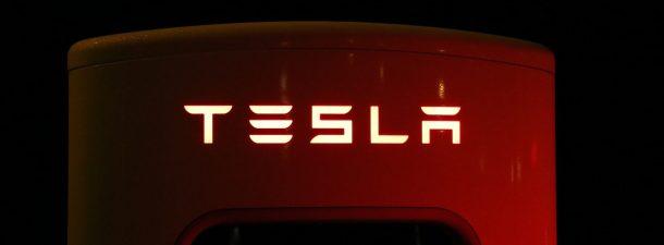 Tesla presenta el chip de conducción autónoma más potente del mundo