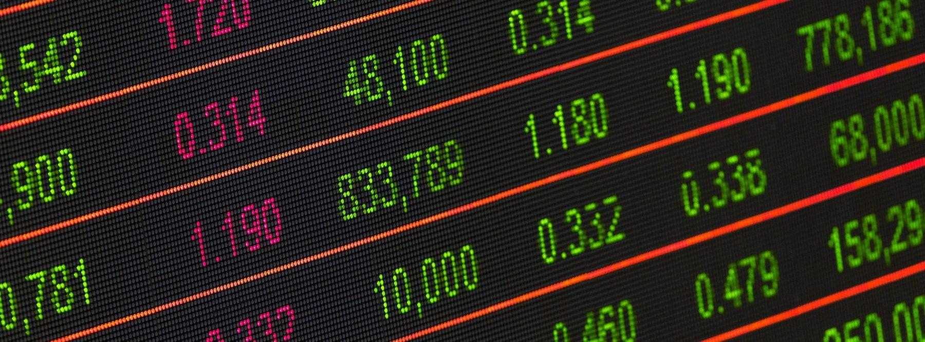 Cómo predecir tendencias socioeconómicas con trazas digitales