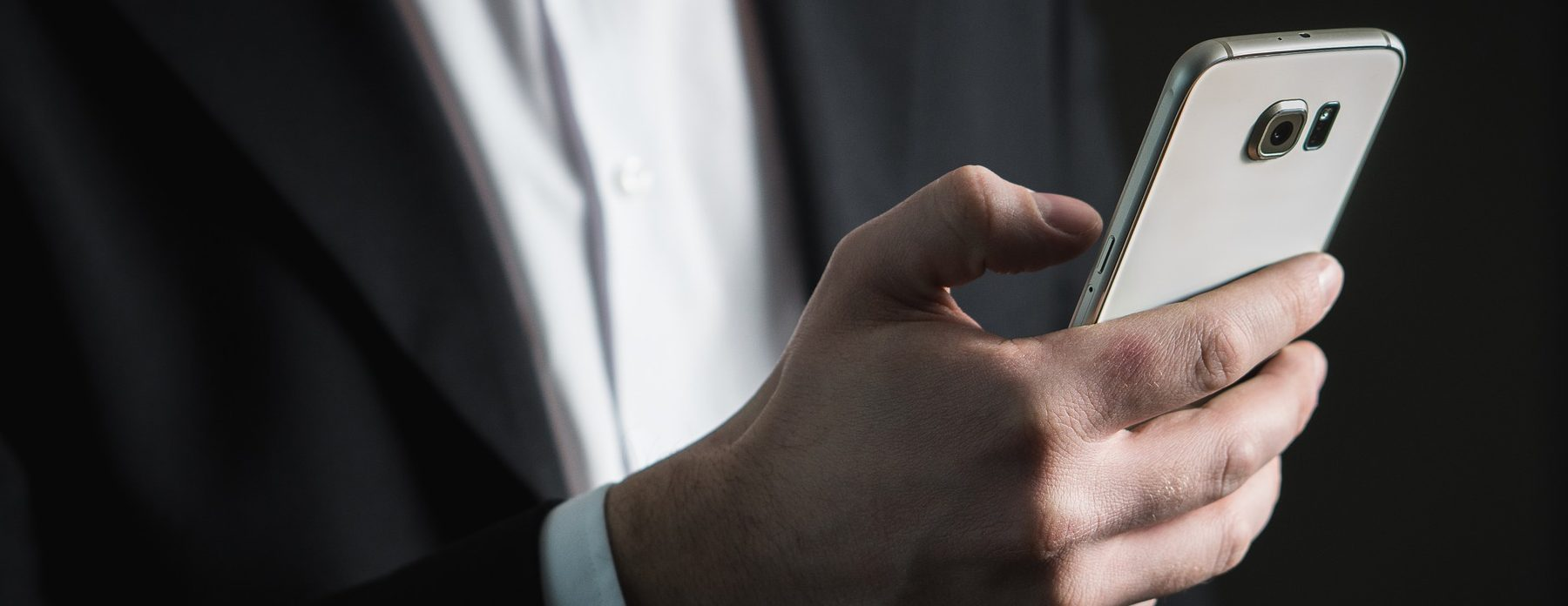 Alarga la vida de tu móvil: 5 cosas que no debes hacer si quieres que dure más de dos años