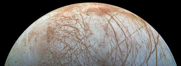 Encuentran agua salada en Europa, la luna de Júpiter