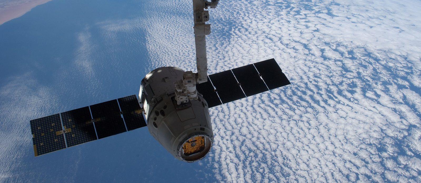 SpaceX y Space Adventures se unen para impulsar viajes espaciales