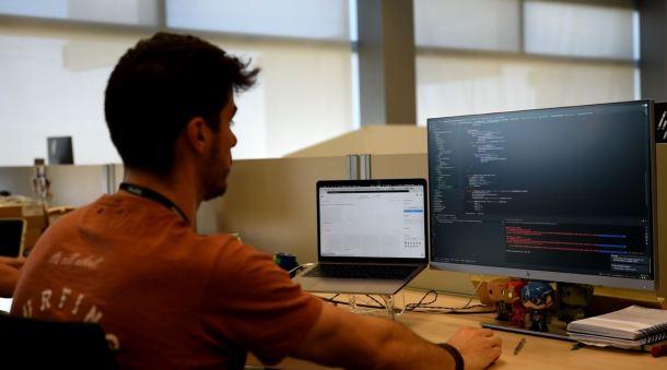 David Estívariz desarrollando una de las funcionalidades de Movistar Home