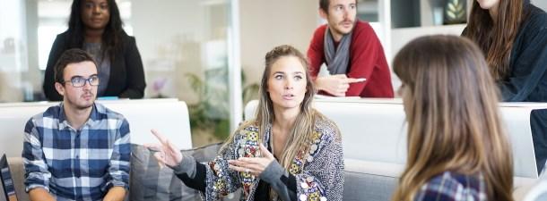 Aprende a compartir una presentación o tu pantalla durante una reunión en Microsoft Teams