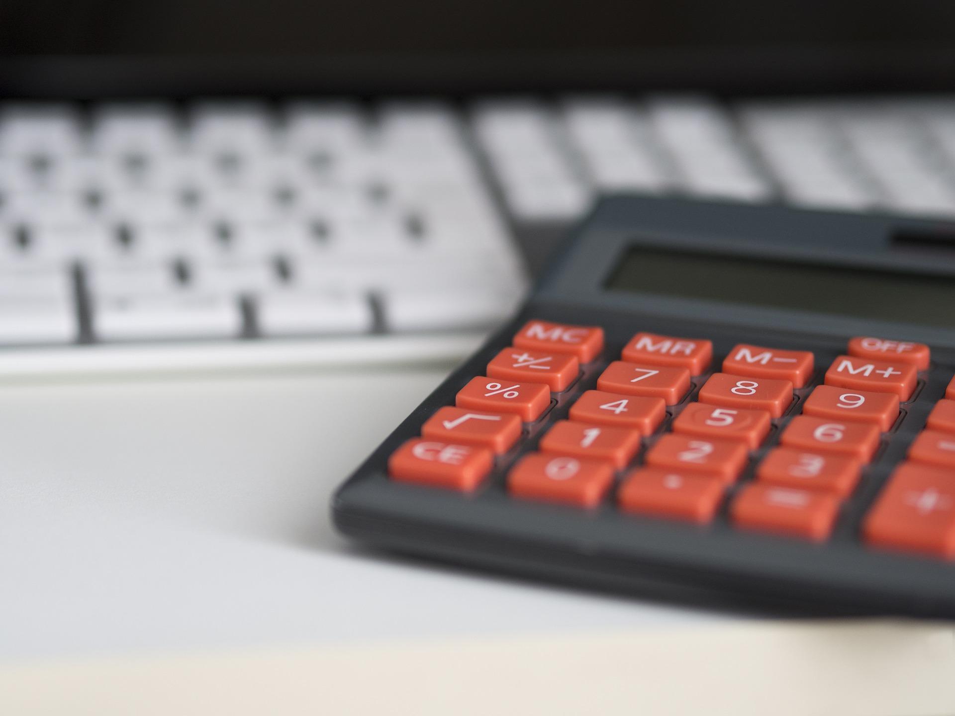 Excel Básico: cálculo automático de presupuestos o inventarios