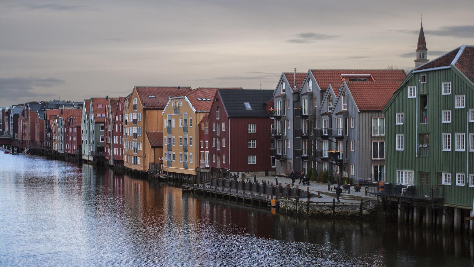Noruega presenta un edificio que crea más energía de la que consume