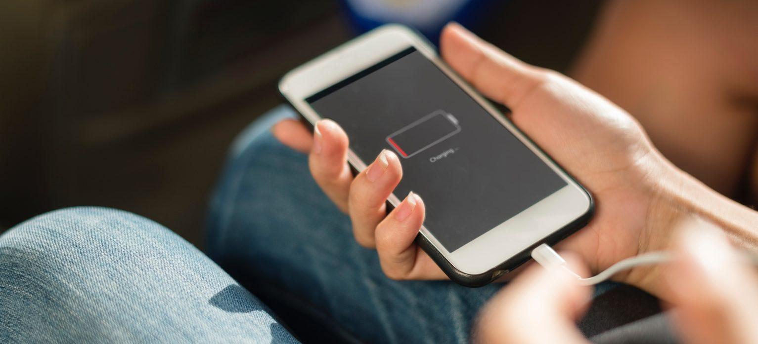 ¿Un iPhone para 2020 sin notch y con Touch ID?
