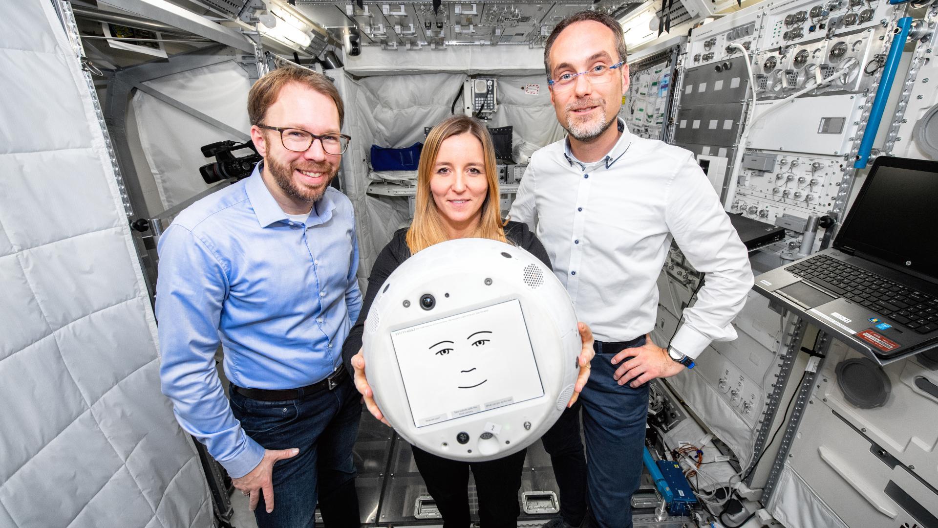 CIMON-2: el robot con inteligencia  emocional que ha llegado a la EEI