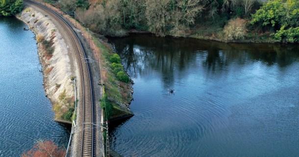 Drones 5G para controlar las vías del tren