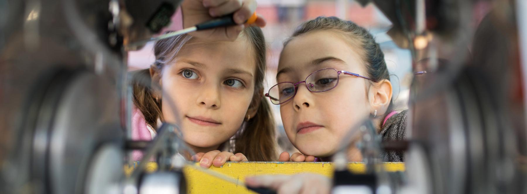 Telefónica apuesta por el futuro de las niñas en la ciencia