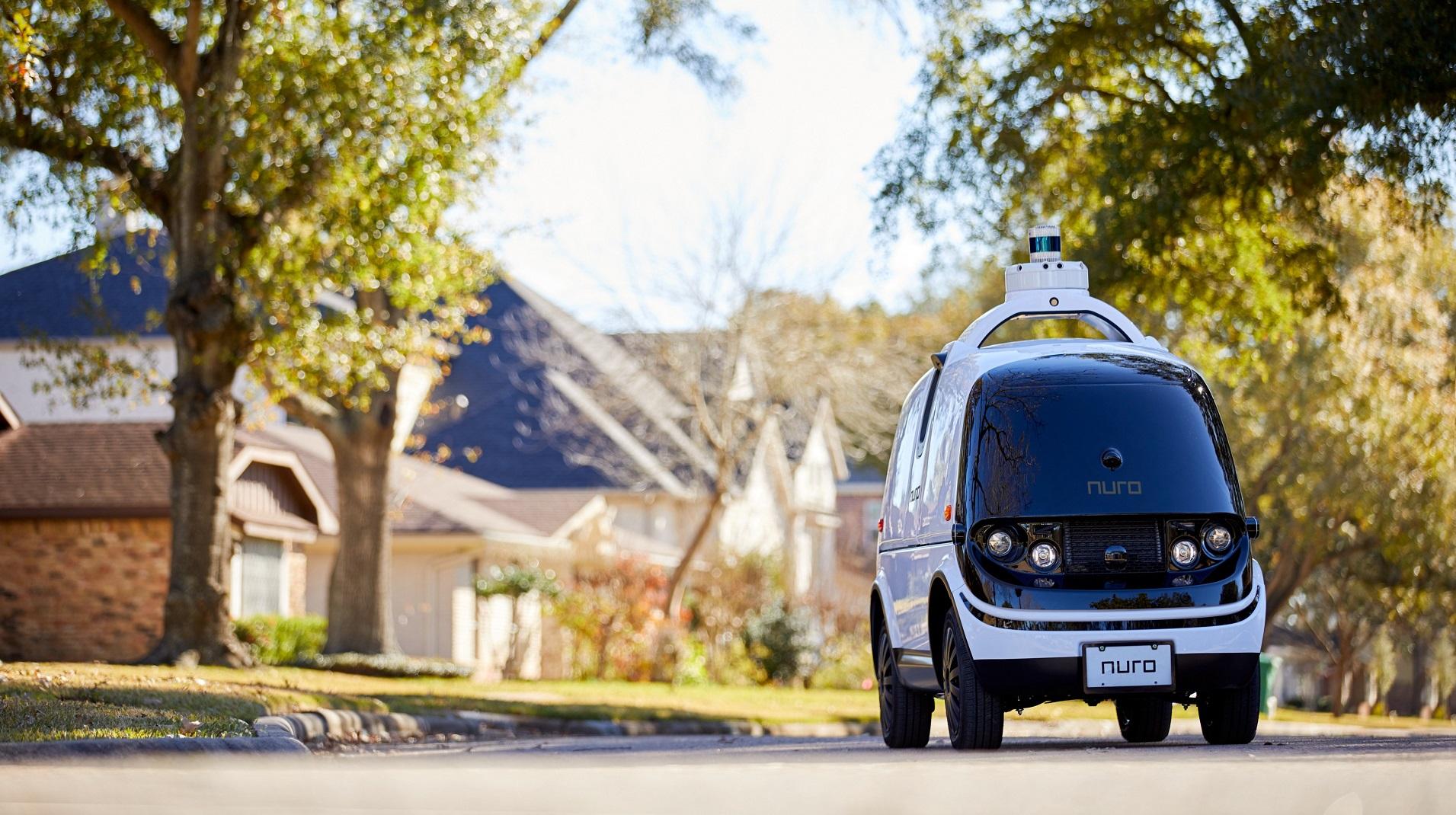 Así es el primer coche sin volante autorizado: un repartidor de pizzas