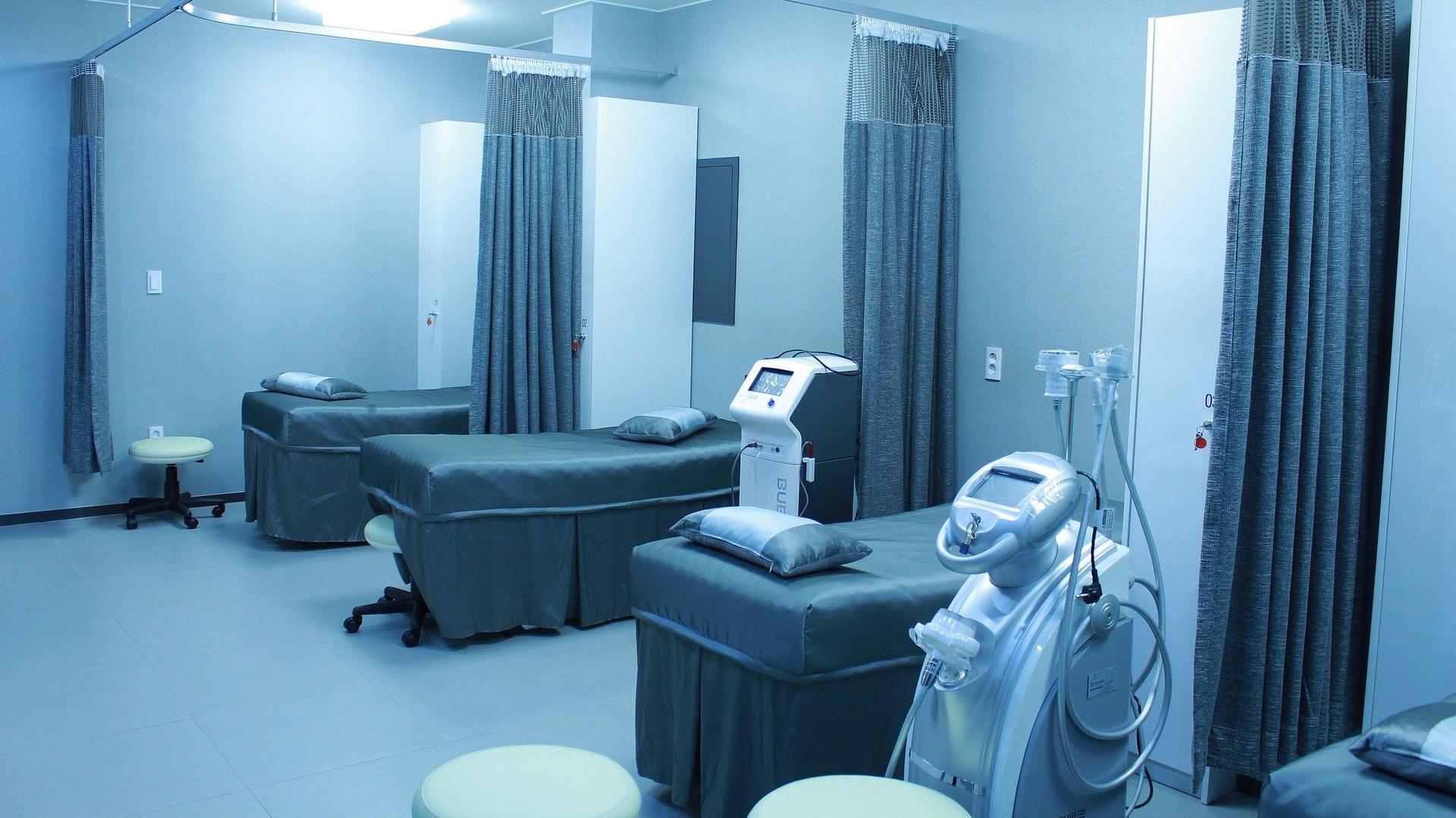 China abre un hospital que será atendido por robots para evitar infecciones