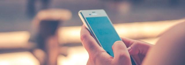 Cómo limpiar y desinfectar la pantalla de tu smartphone sin dañarlo
