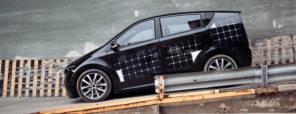 Paneles solares en coches eléctricos