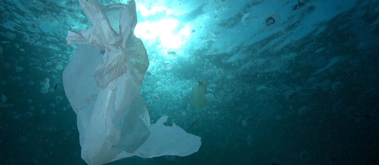 La contaminación de plástico en los mares podría triplicarse en 2040