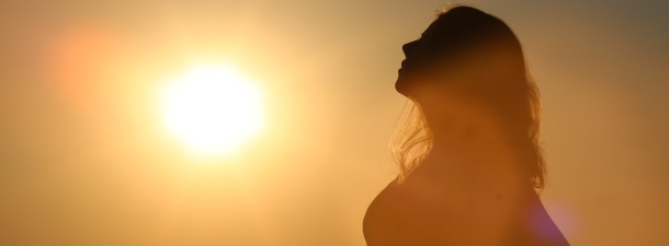 ¿Por qué tomar el sol mejora nuestro estado de ánimo?