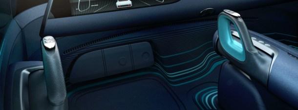 El coche que cambia el volante por joysticks