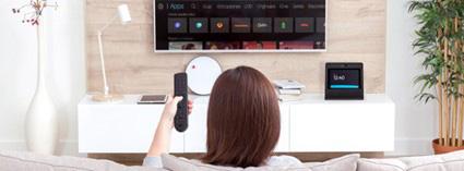 Dispositivos Movistar de voz: las diferencias entre el Mando Vocal Movistar+ y Movistar Home