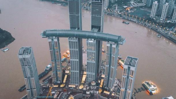 Thr-Crystal-rascacielos-horizontal-en-China-Raffles-City