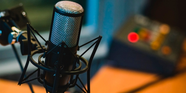 microfono-podcast-crear