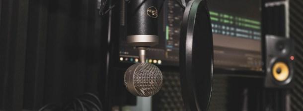 ¿Qué material necesitas para crear un podcast profesional?