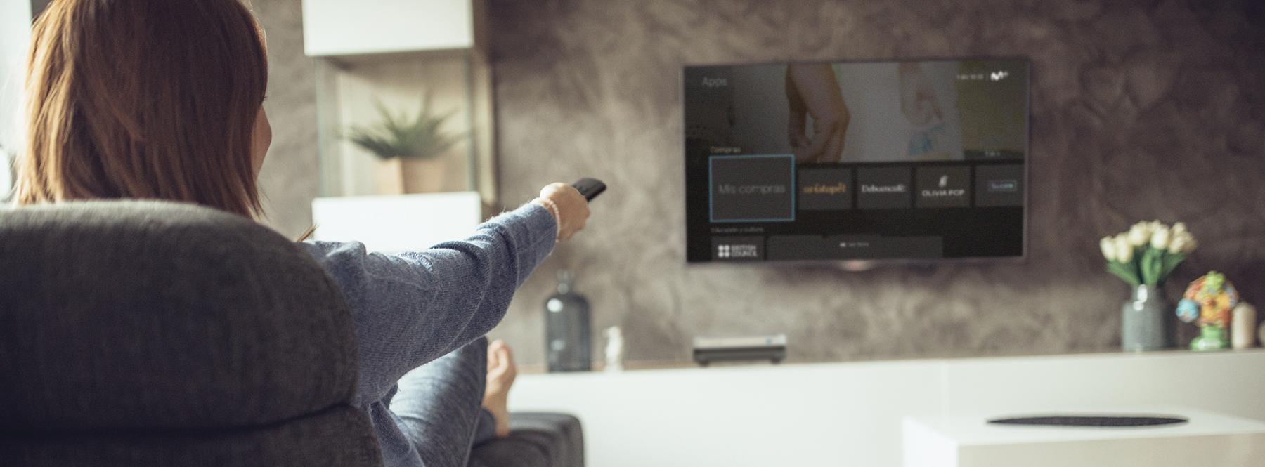 Cómo comprar en Movistar+ con Living Apps desde tu sofá