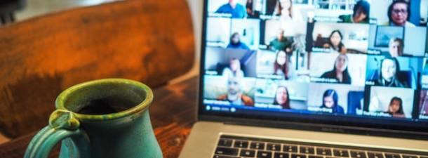 Cómo la tecnología digital ha revolucionado los espacios de interacción social, laboral y educativa