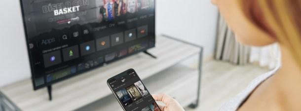 Cómo ver una película en la App de Movistar+ usando solo la voz