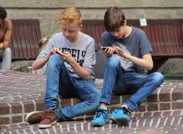 peligros de internet - límites de internet - educar a un niño - educar a tu hijo