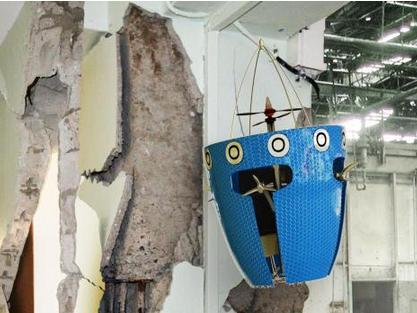 Un robot que sigue volando tras un accidente
