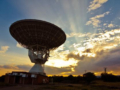 La comunicación por satélite y el papel de Telefónica en la llegada a la Luna